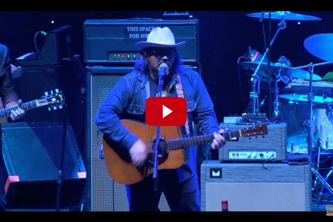 VIDEO: Wilco (w/ Jason Isbell) – California Stars