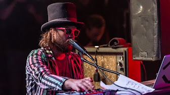 """VIDEO: Marco Benevento & Superhuman Happiness – """"Soul Love"""" (David Bowie)"""