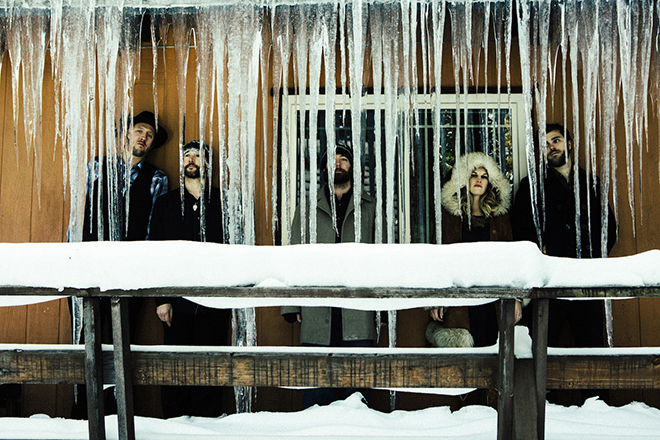 Dead Winter Carpenters
