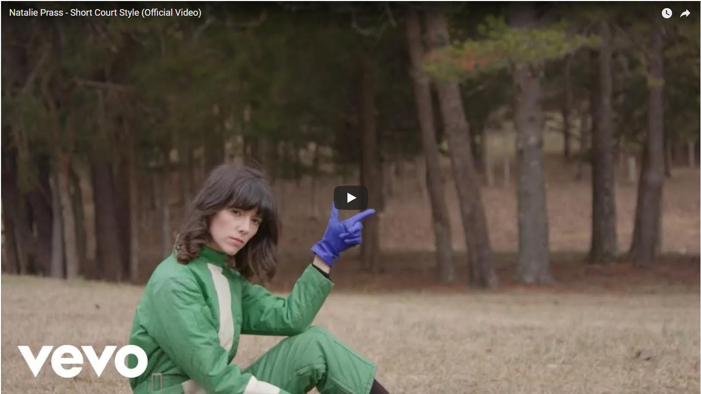 VIDEO: Natalie Prass – Short Court Style