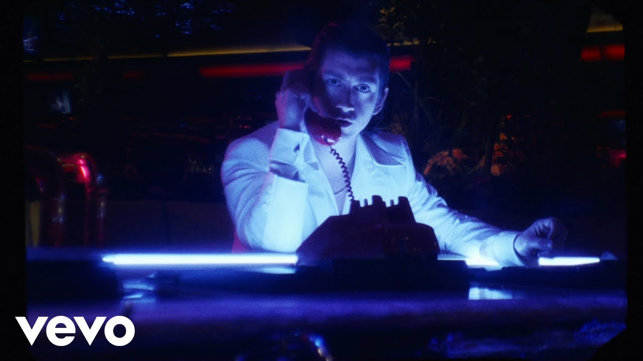 VIDEO: Arctic Monkeys – Tranquility Base Hotel & Casino