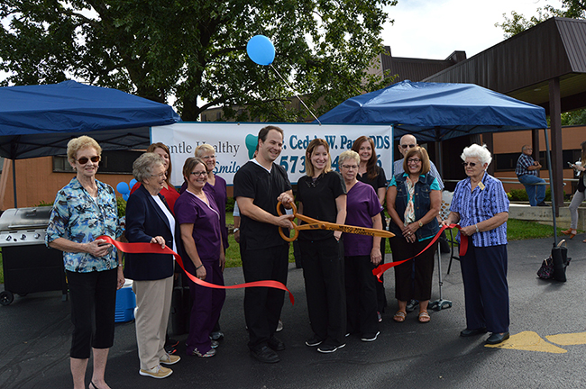 Gentle Healthy Smiles Ribbon Cutting