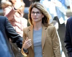 LORI LOUGHLIN: Agrees To Plea Guilty