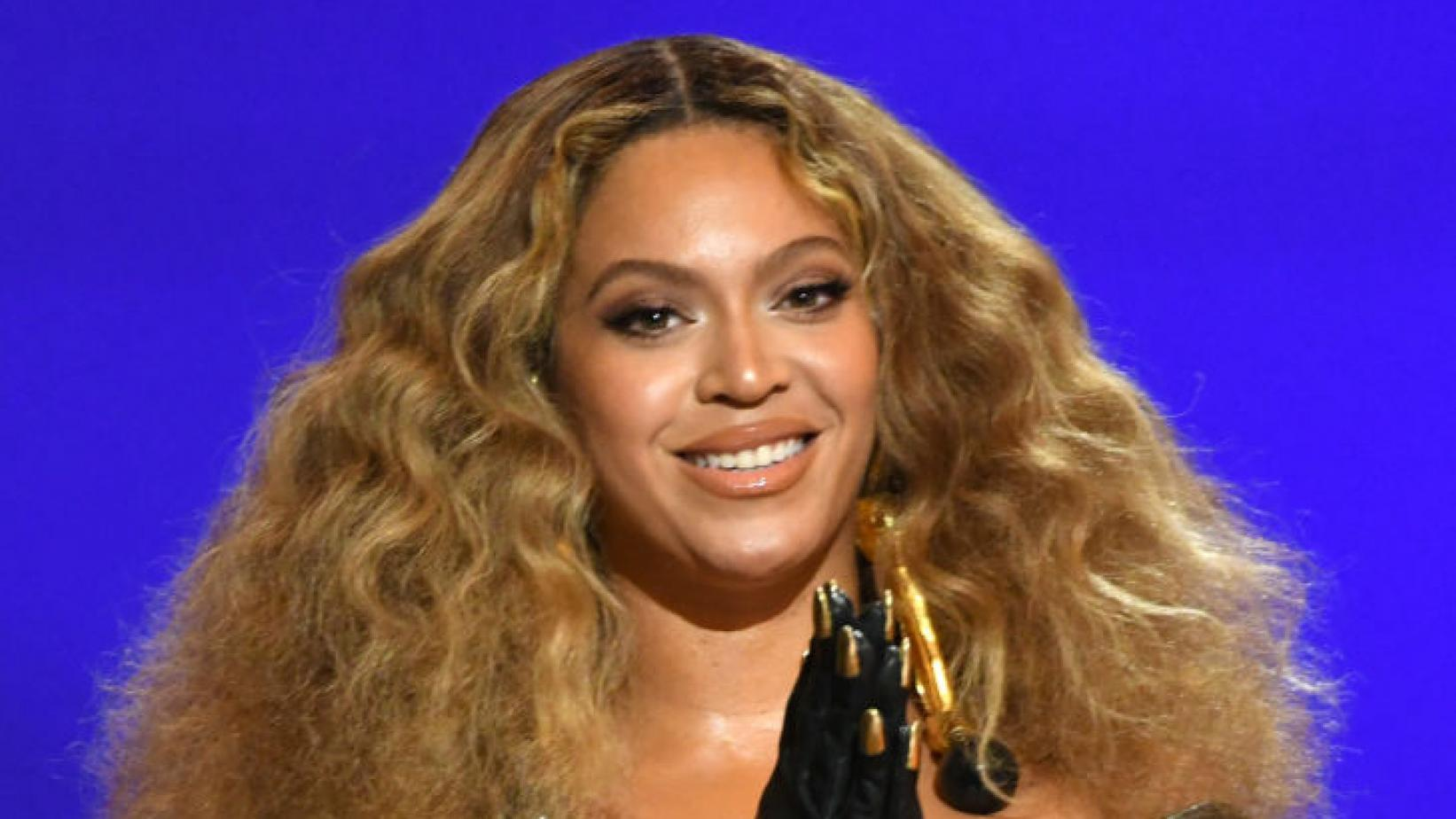 """Beyoncé made history with her win for Best R&B Performance for """"BLACK PARADE"""" at the 2021 GRAMMY Awards."""