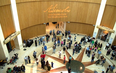 Lincoln Museum Crowd