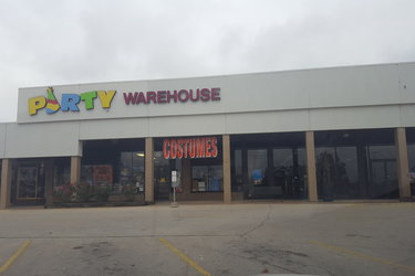 party-warehouse-decatur