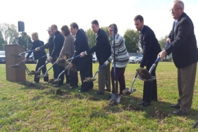 Akorn Pharmaceutical breaks ground on 60,000 square foot expansion