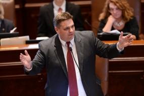 Legislation seeks to boost Illinois' bio-based economy