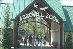 Special Day with Scovill Zoo and Children's Museum of Illinois (Video)
