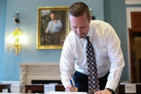 Congressman Davis Applauded For Gun Safety Measure