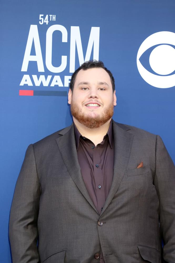 Luke Combs To Release 4 New Songs
