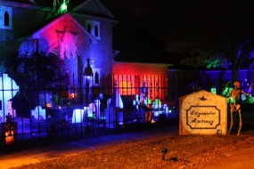 LISTEN: Spooky Fun at Edgewater Mortuary