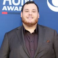 "Luke Combs ""What You See Is What You Get"" Debuts At #1"