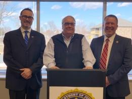 Buffett Foundation Receives FBI Community Leadership Award