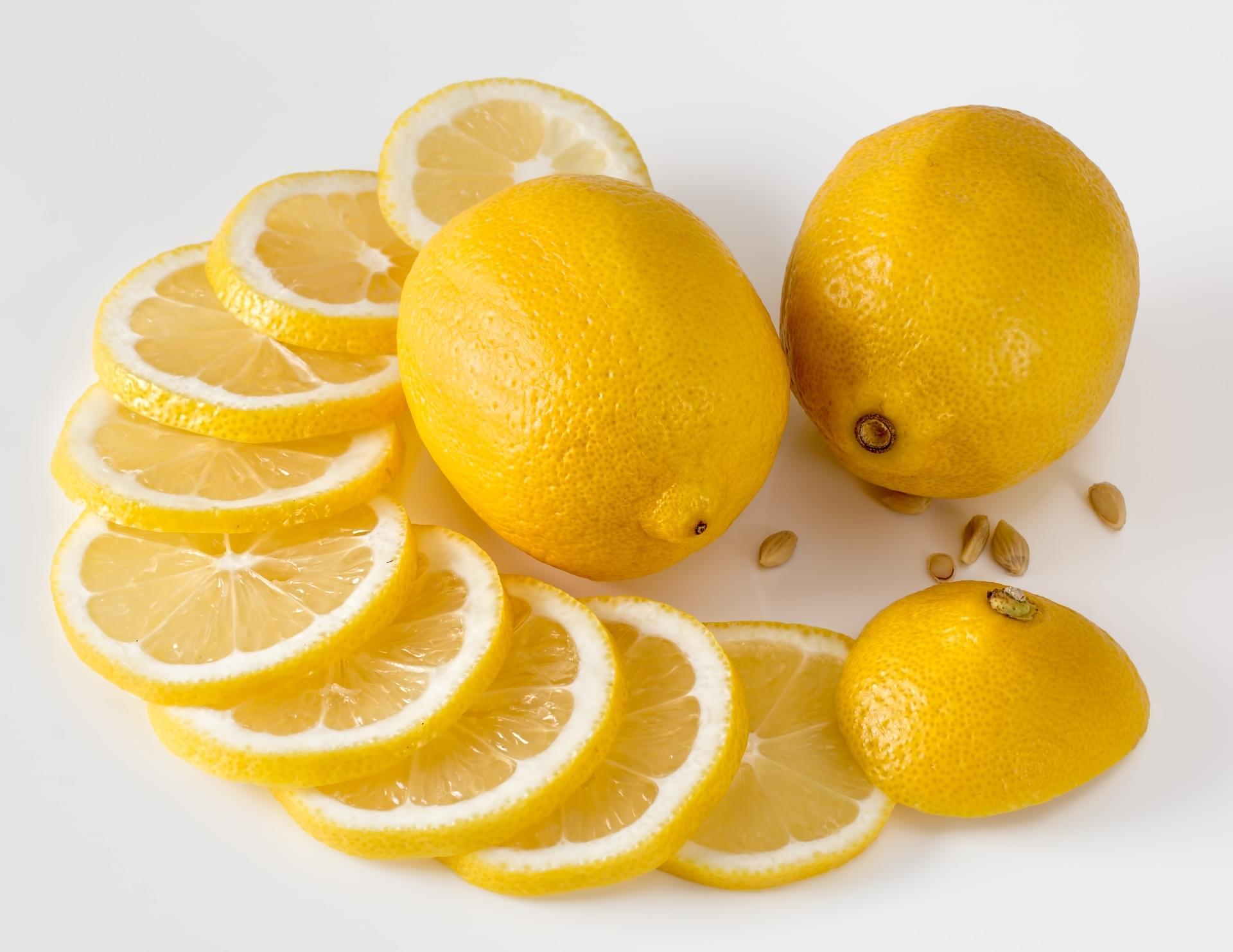 Smelling Lemons Makes You Feel Slimmer