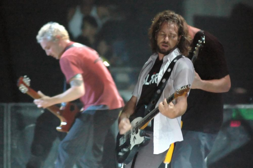 Pearl Jam Performs Live In Concert