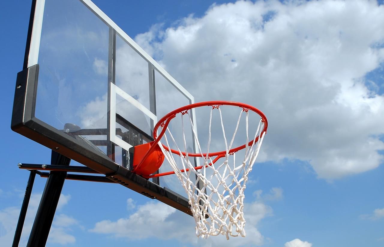 outdoor-basketball-1639860_1280