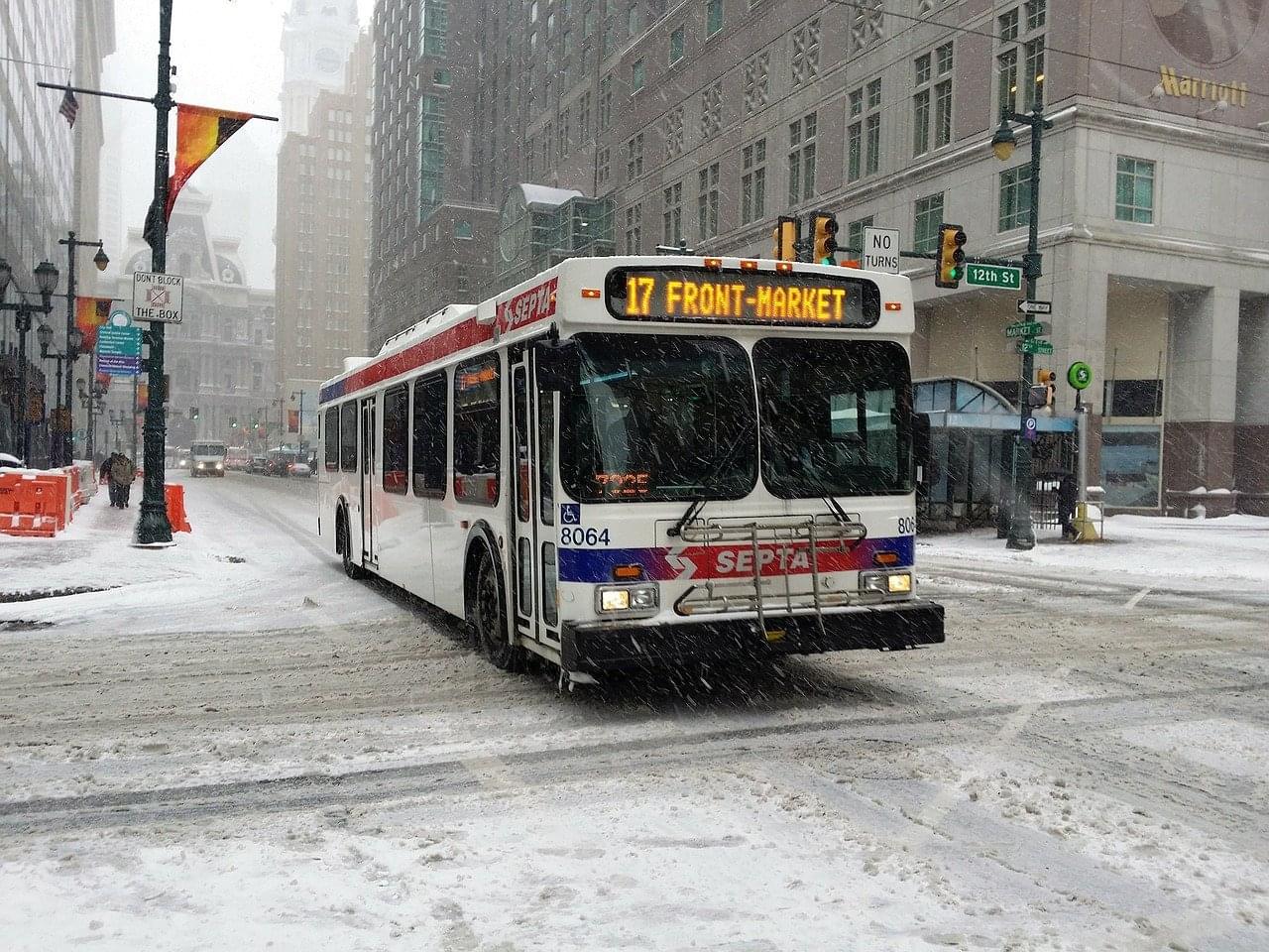 city bus-257089_1280