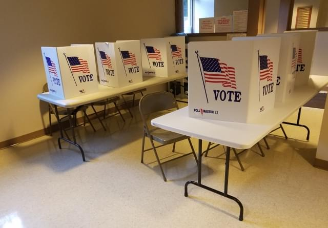 2018_VOTE_booths_100418