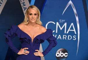 Carrie Underwood Passes the CMA Torch