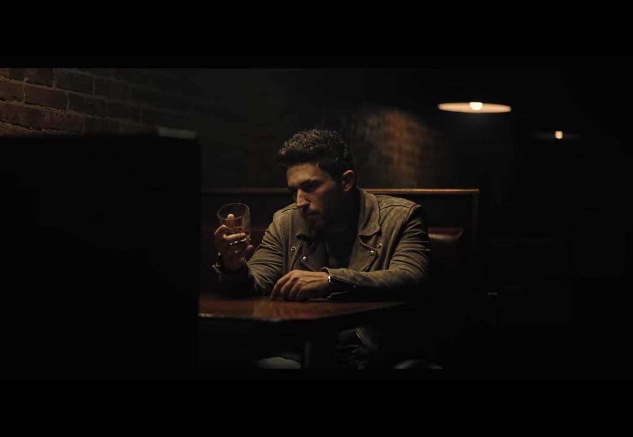 Michael Ray – Whiskey and Rain
