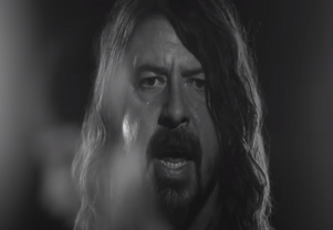 Dave Grohl Teams Up With Mom for TV Show
