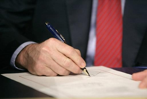 Lawmaker urges vote for limits on executive orders
