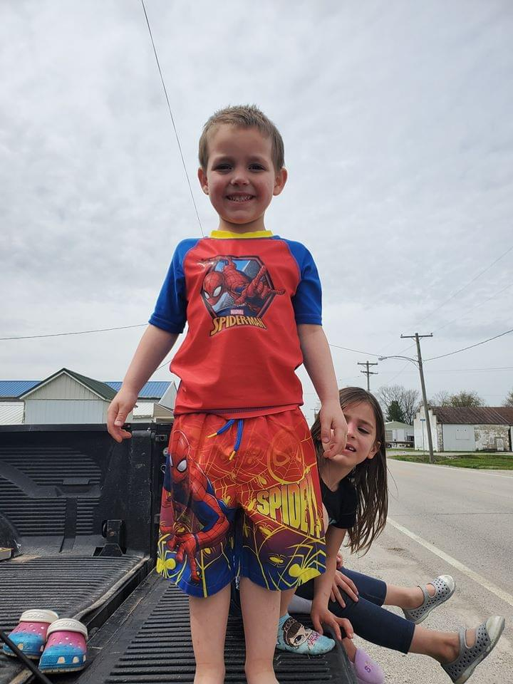 Hoyleton boy celebrates 5th birthday with personal parade