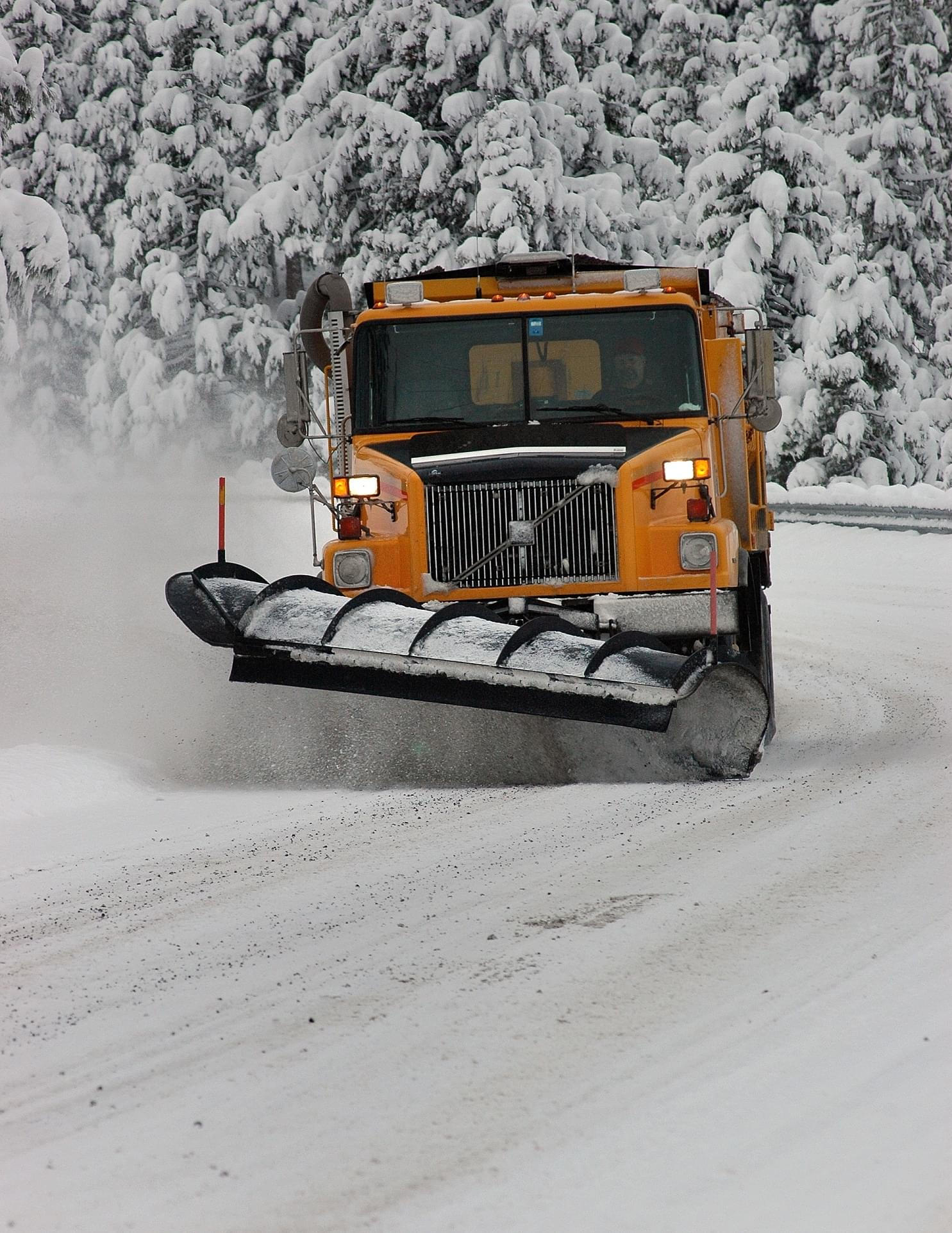 All 1,800 IDOT state plows out working Illinois roads