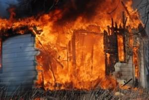 Jackson Co. Sheriff's Deputies Respond to Garage Fire Saturday